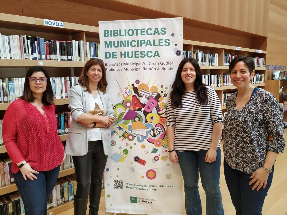 """Laura Ferrer, responsable de la biblioteca Ramón J. Sender de Huesca: """"Tenemos una muy buena comiteca, es uno de nuestros puntos fuertes"""""""