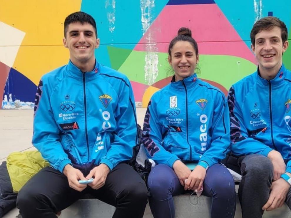 Los jóvenes muestran sus progresos en atletismo