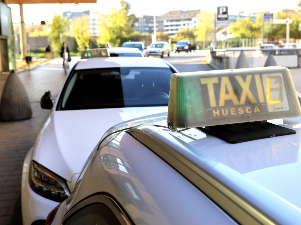El sector del taxi reclama ayudas directas al Ayuntamiento de Huesca