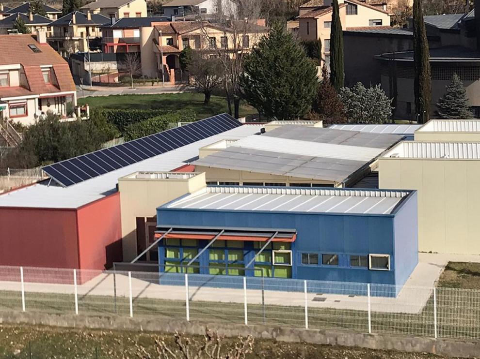 """El Ayuntamiento de Barbastro instalará 288 placas fotovoltaicas en la Residencia Municipal """"Las Huertas""""."""