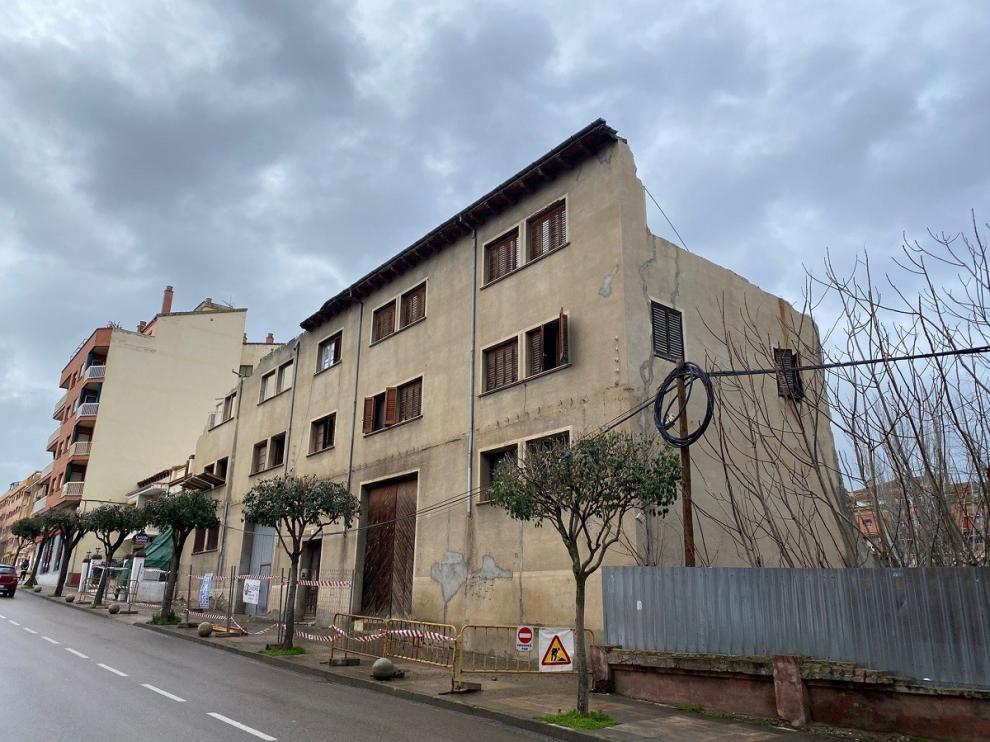 El Ayuntamiento de Barbastro decreta la demolición de un edificio en la avenida Ejército Español