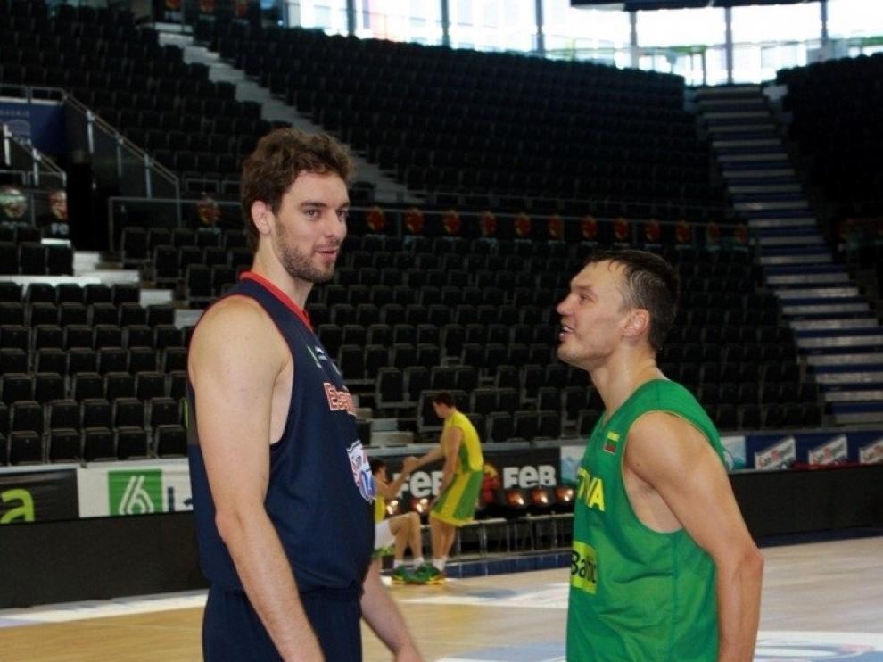 Pau Gasol y Sarunas Jasikevicius