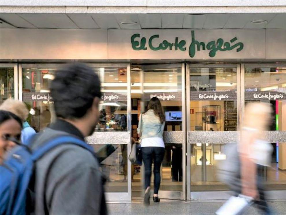 La plantilla de El Corte Inglés está integrada por unos sesenta y tres mil trabajadores