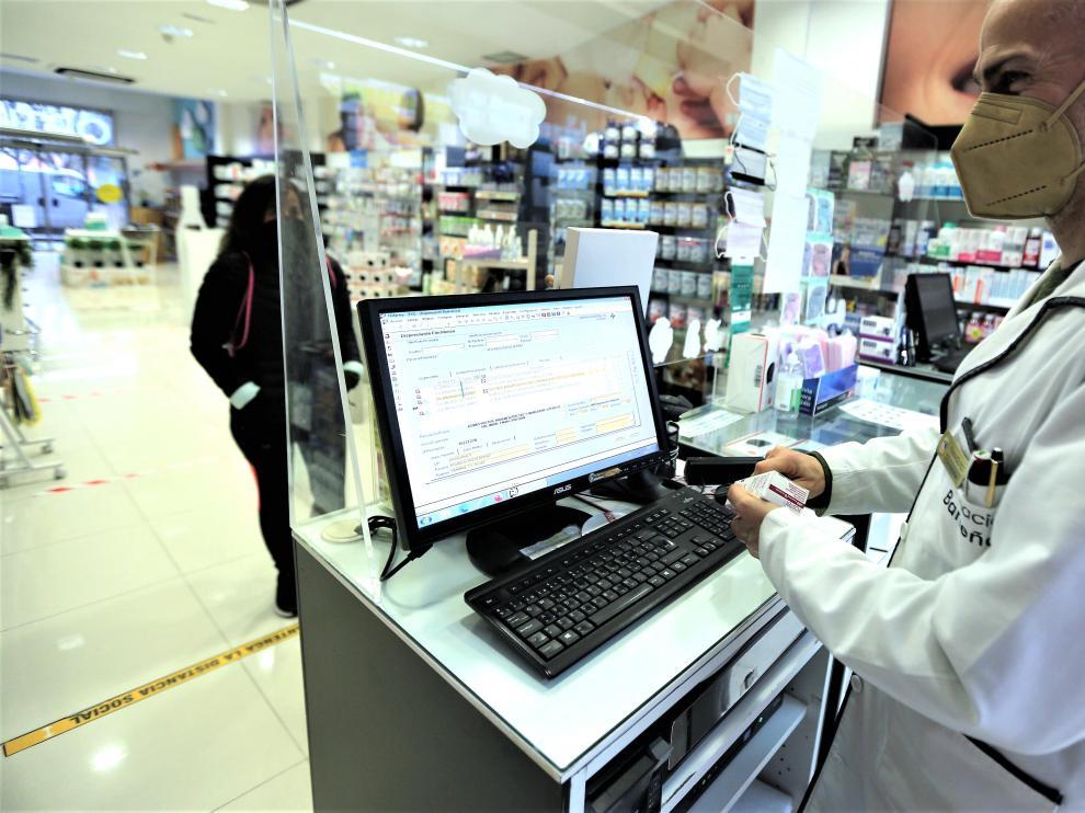 Los farmacéuticos resuelven cada día múltiples cuestiones sobre los tratamientos prescritos.