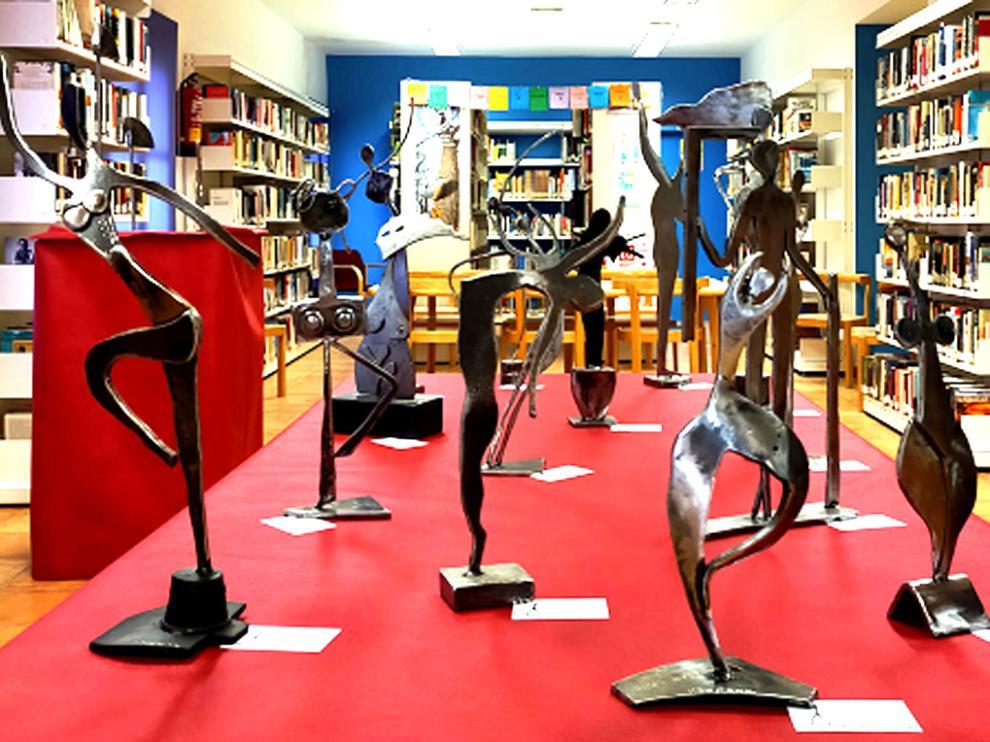 Exposición de Vicente Sopena en la Biblioteca de Benabarre, con motivo del 8M.