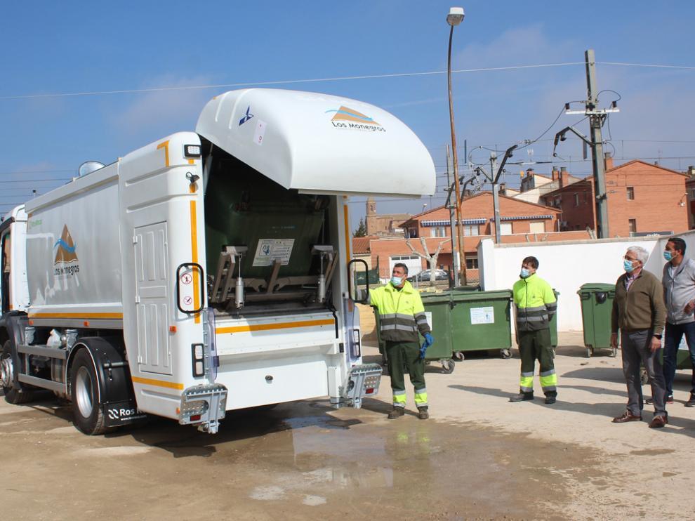 Nuevo camión limpieza para contenedores en Monegros.