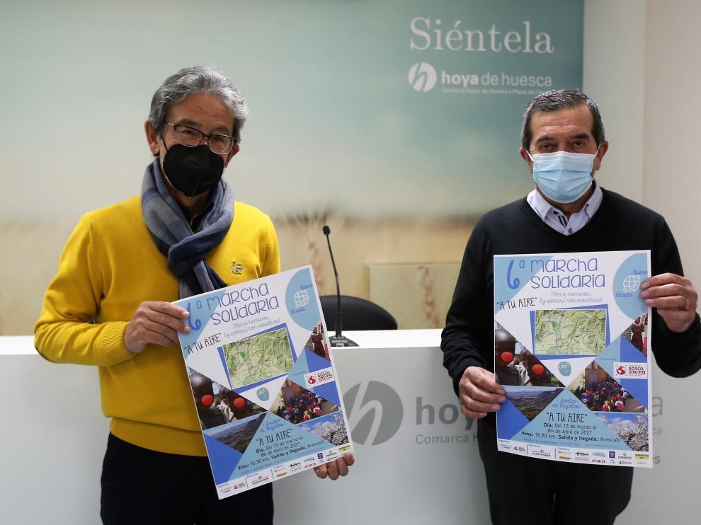 Guillermo Palacín, acalde de Nueno, junto a Antonio Rico, representante de Entarachén Bosco Global.