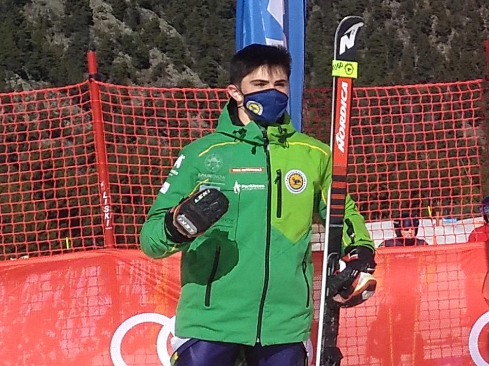 Hugo Robres, después de quedar en segunda posición en el Gigante U-16 de la prueba del viernes.