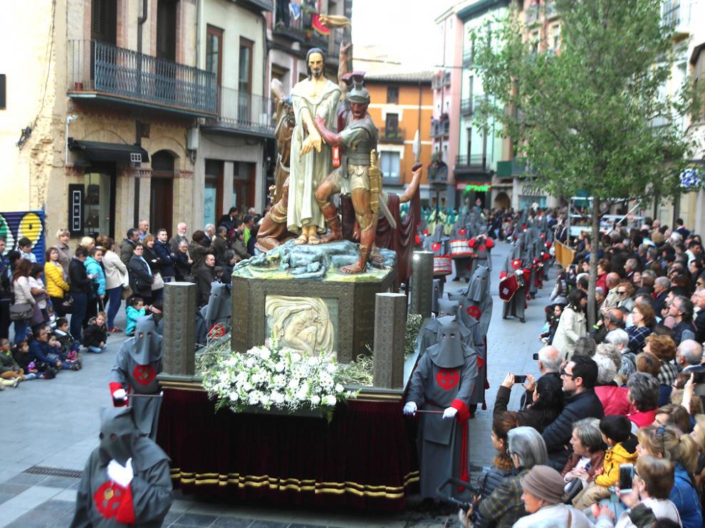 Procesión de Semana Santa en Huesca en 2019.