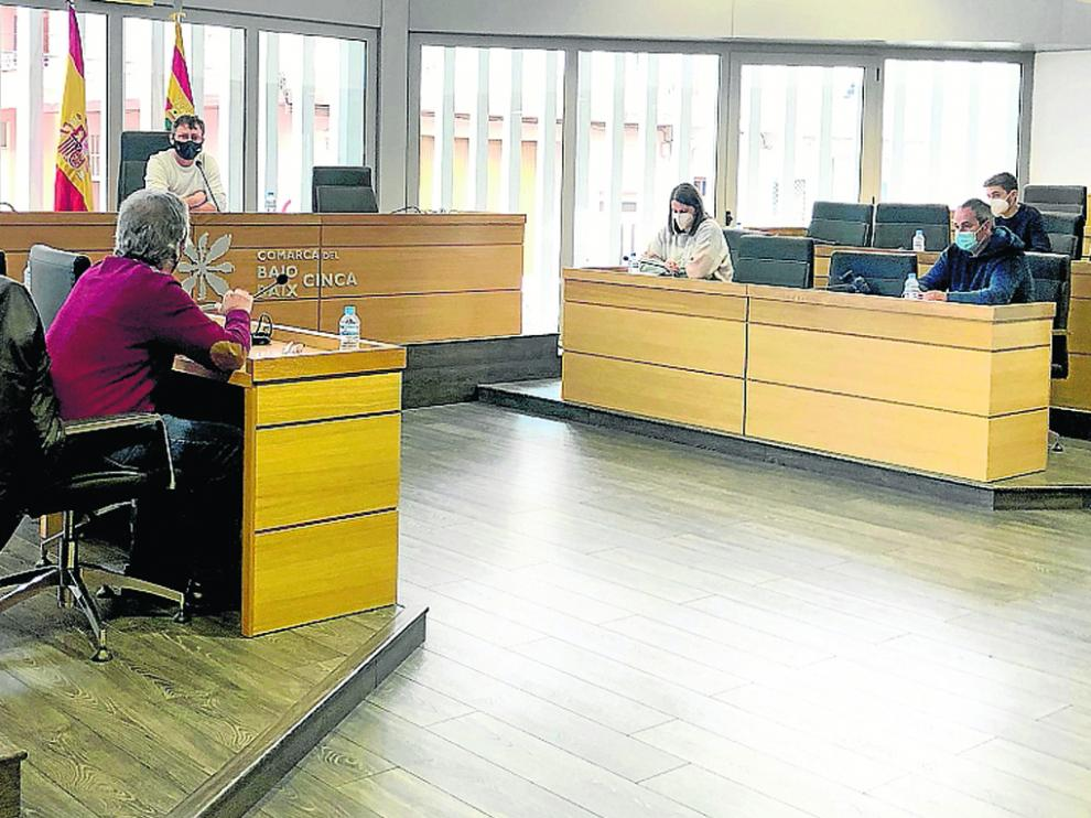 El presidente, Marco Ibarz, en la reunión mantenida con los alcaldes de cada municipio.