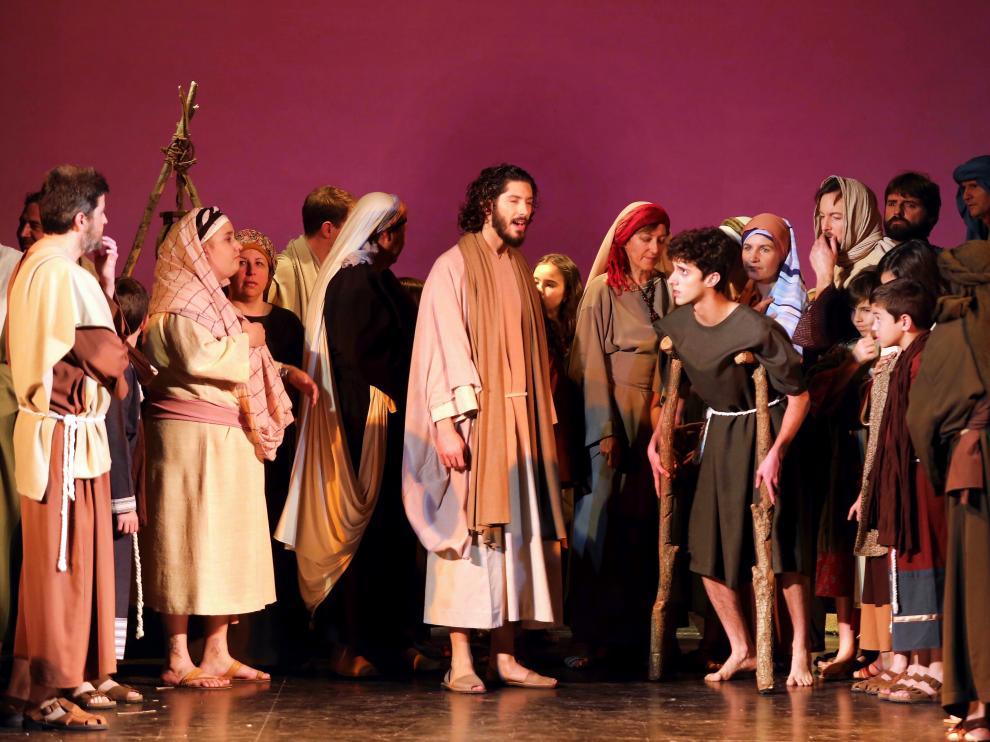 La Pasión representada en Salesianos de Huesca