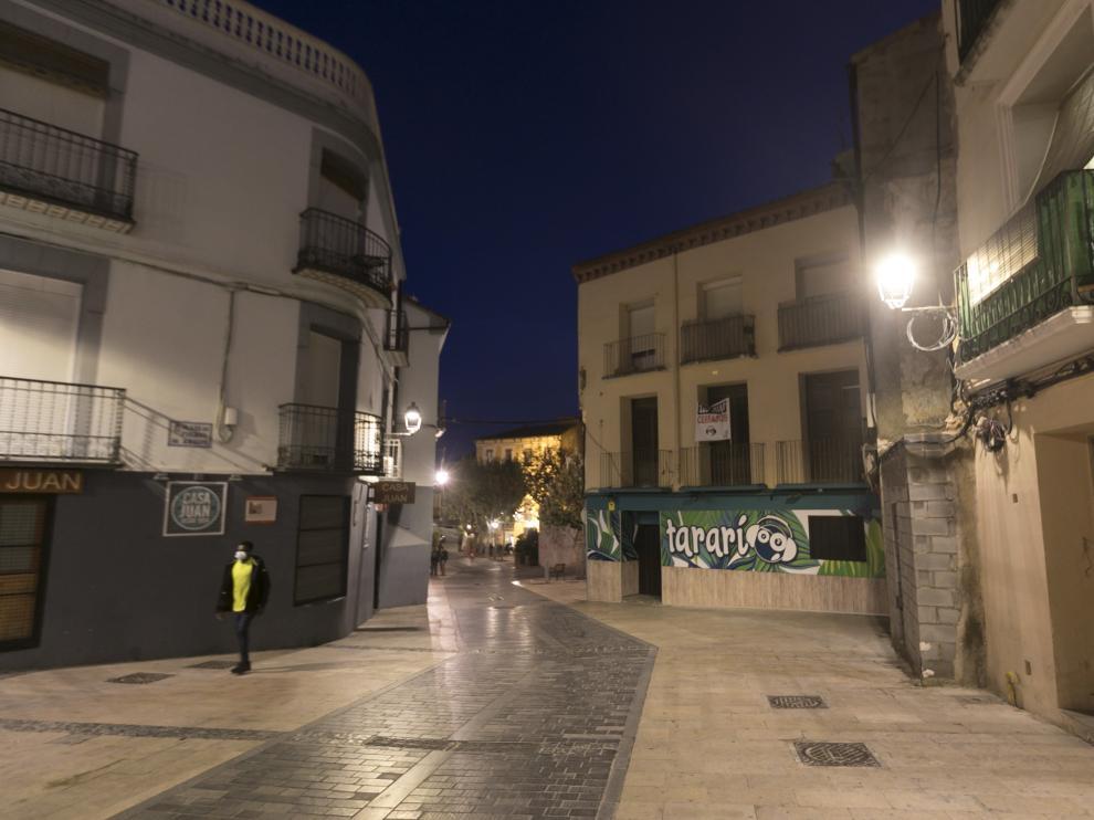 Bares de ocio nocturno cerrados en Huesca a causa de la pandemia.