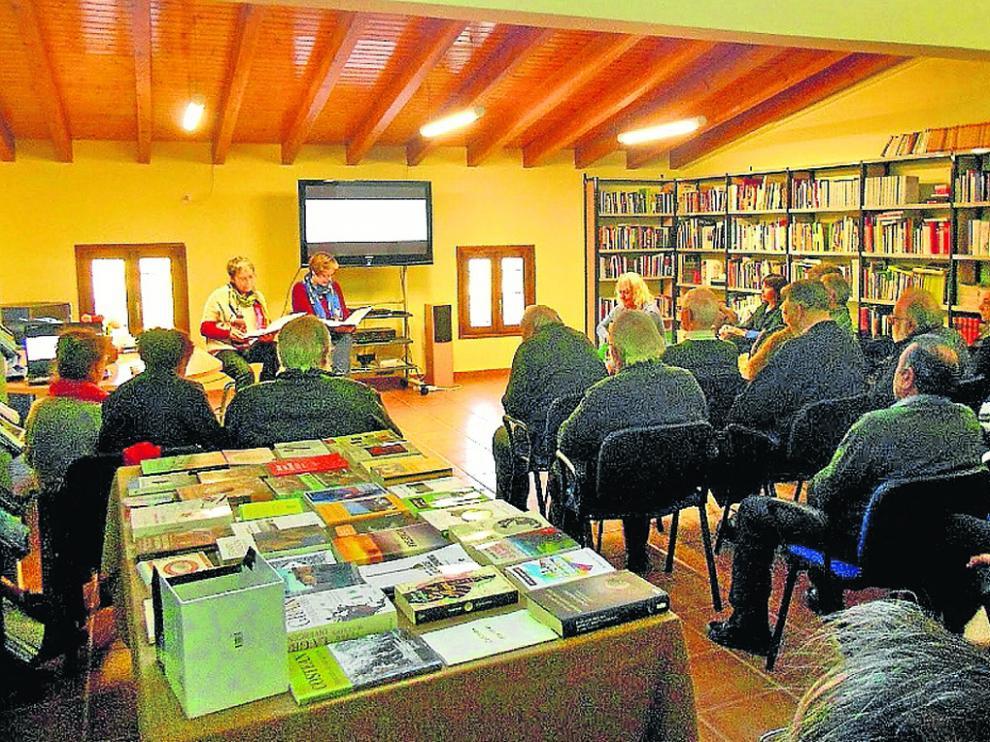 Biblioteca de Costean.