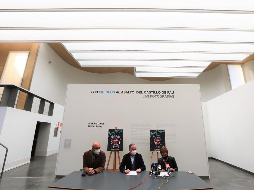 Víctor Lucea, Ramón Lasaosa y Maribel de Pablo presentaron el cartel de Periferias y la exposición 'Frontera' en el CDAN
