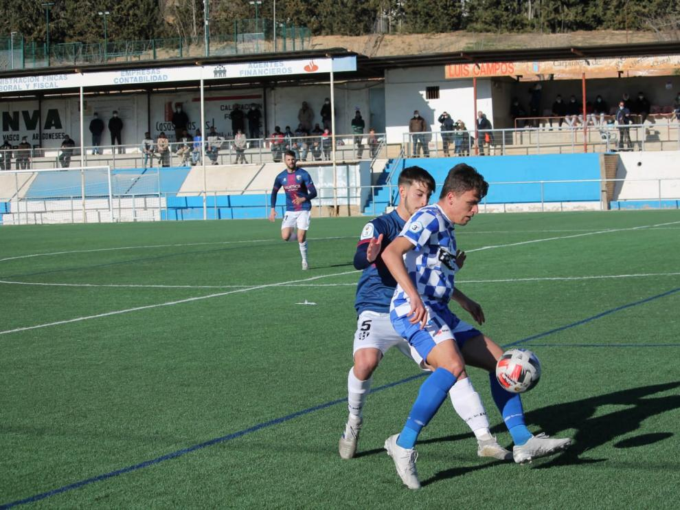 Imagen del partido que disputó esta temporada el Tamarite contra el Huesca B.