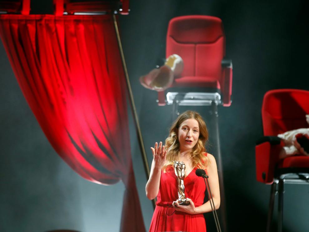 Pilar Palomero triunfa en los Gaudí con los premios a la mejor película en lengua no catalana y mejor dirección.