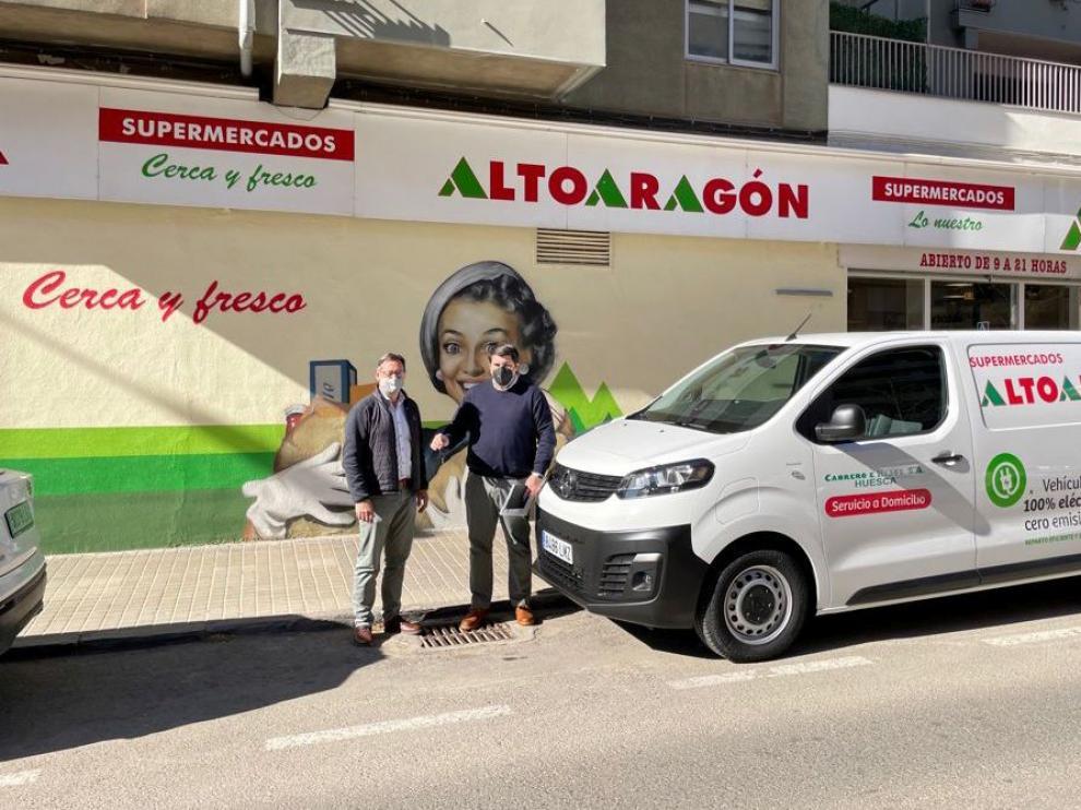 Vehículo de servicio a domicilio de Supermercados Altoaragón.