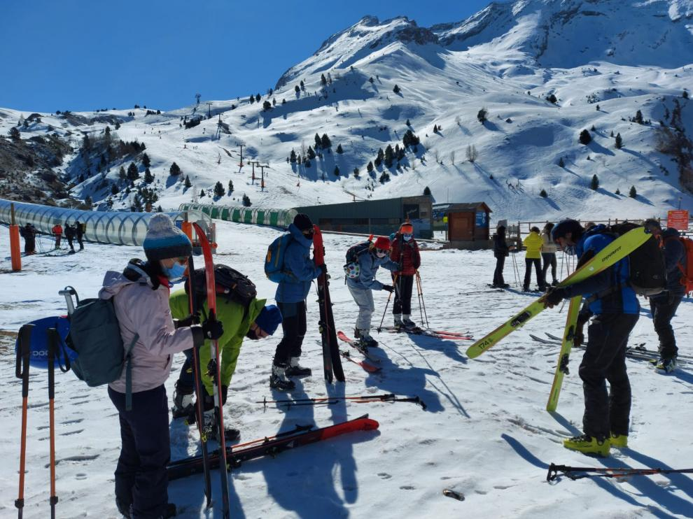 Una de las actividades relacionadas con el esquí de montaña realizadas por el SCD Ribagorza el fin de semana pasado.