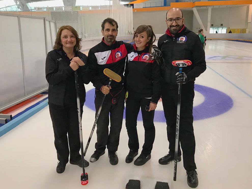 Elsa Fumanal, Rodrigo García, Carmen Pérez y Lucas Munuera, en el anterior campeonato mixto.