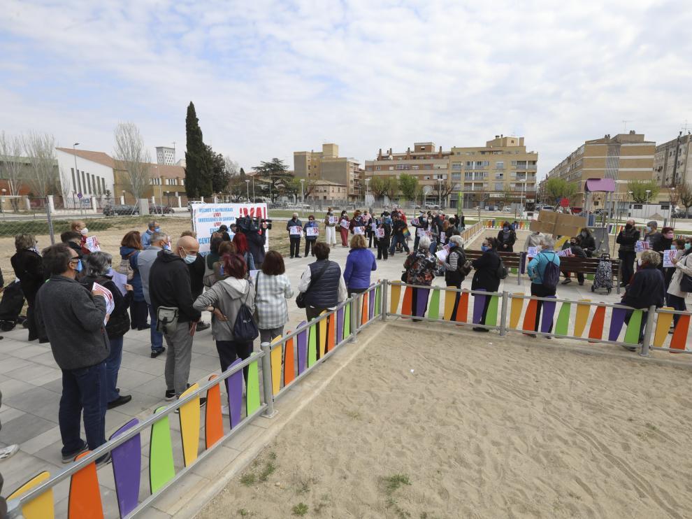 Concentración del Barrio del Perpetuo Socorro para reclamar el nuevo centro de salud