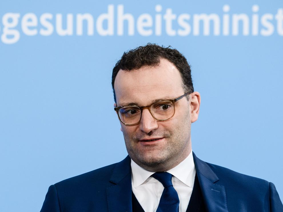 Berlin (Germany), 27/03/2021.- German Health Minister Jens Spahn attends a virtual live town hall format at the Federal Health Ministry in Berlin, Germany, 27 March 2021. German Health Minister Jens Spahn and guests answered questions of citizens on coronavirus specific topics during a virtual town hall live talk. (Alemania) EFE/EPA/CLEMENS BILAN German Health Minister Jens Spahn talks with citizens about coronavirus issues