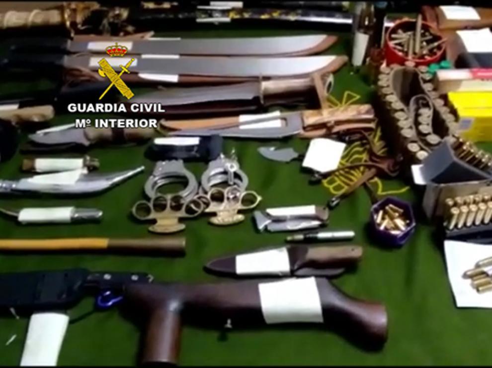 Imagen de las armas incautadas por al Guardia Civil