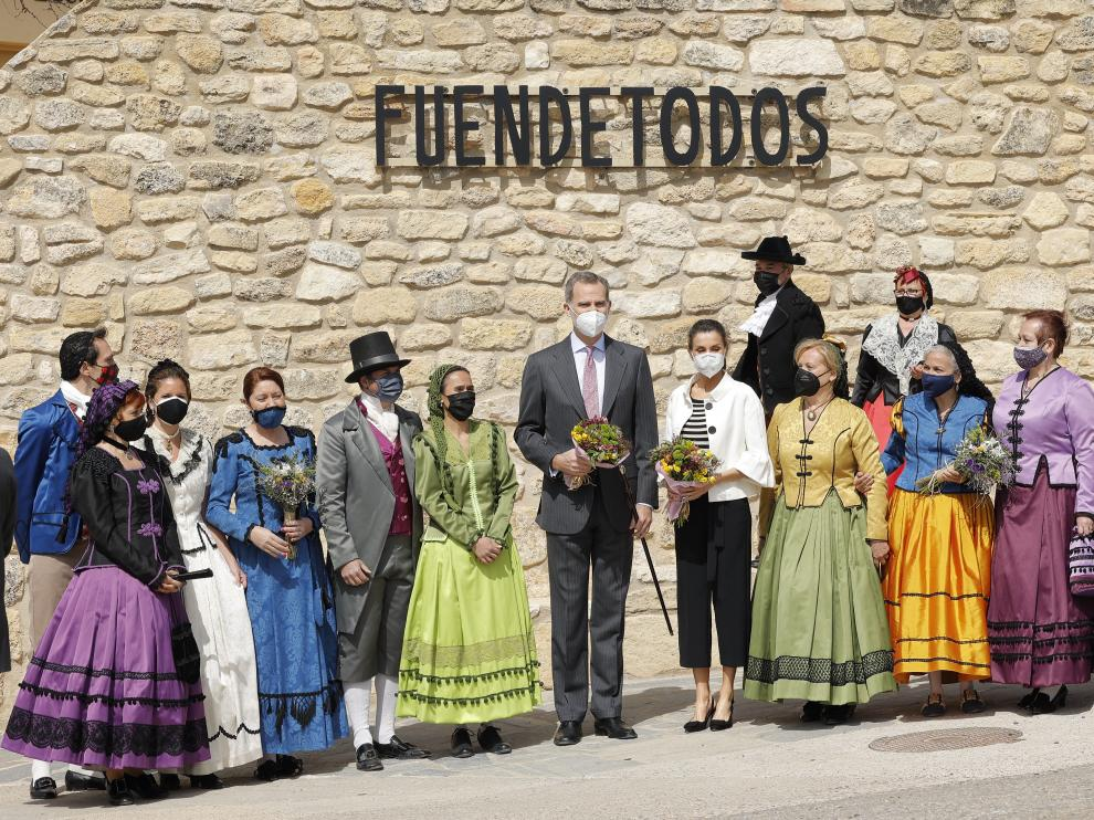 Visita de los Reyes a Fuendetodos.