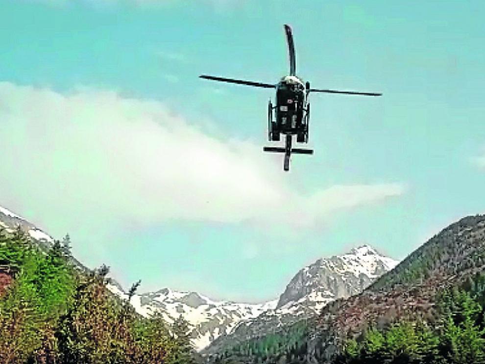 Labores de búsqueda del helicóptero de la Guardia Civil.