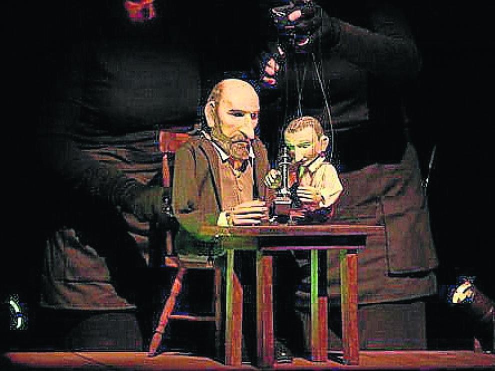 Títeres de la Tía Elena representa el sábado la obra 'Cajal. El rey de los nervios'.