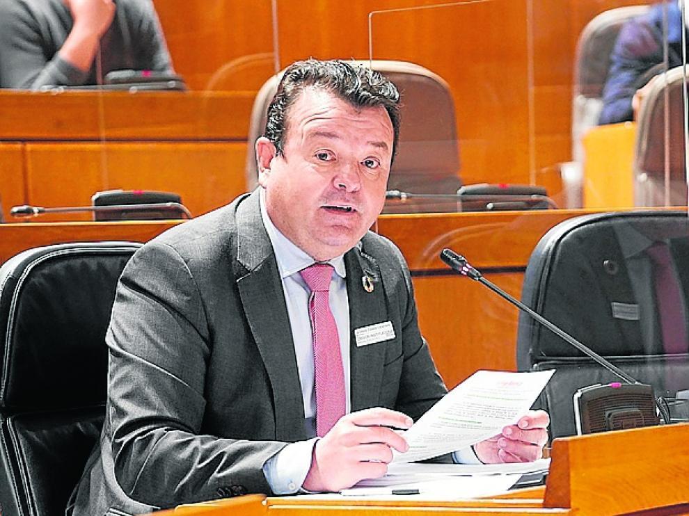 Luis Zubieta durante su comparecencia en la Comisión Institucional y de Desarrollo Estatutario.