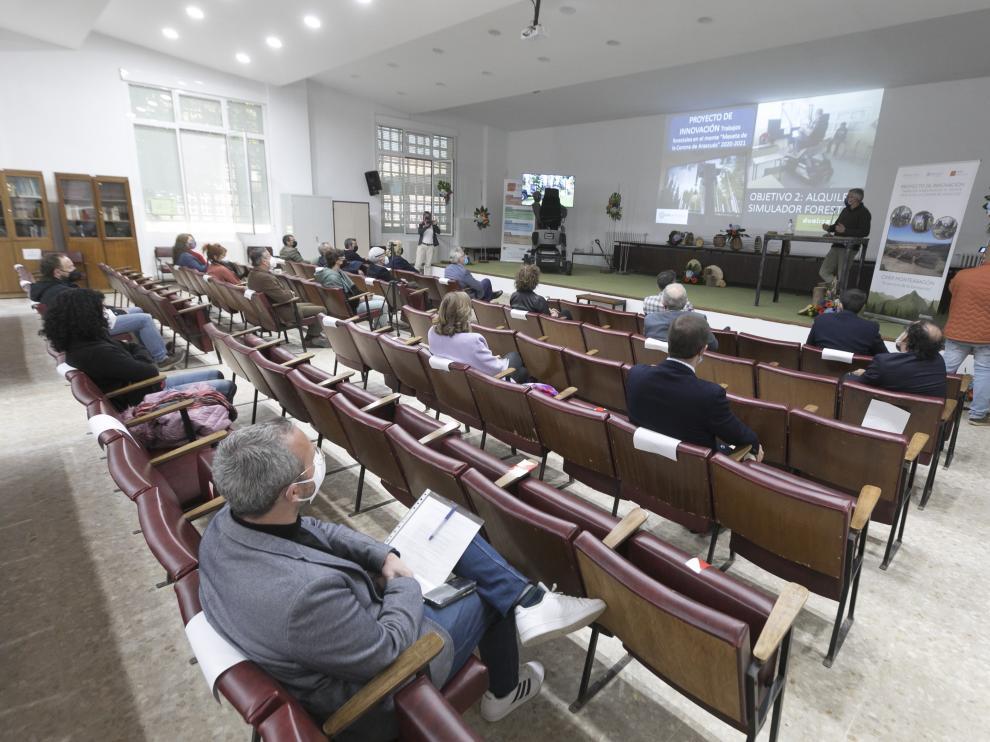 Presentación del proyecto ayer en el Centro de Formación Profesional Integrado Montearagón con Joaquín Olona