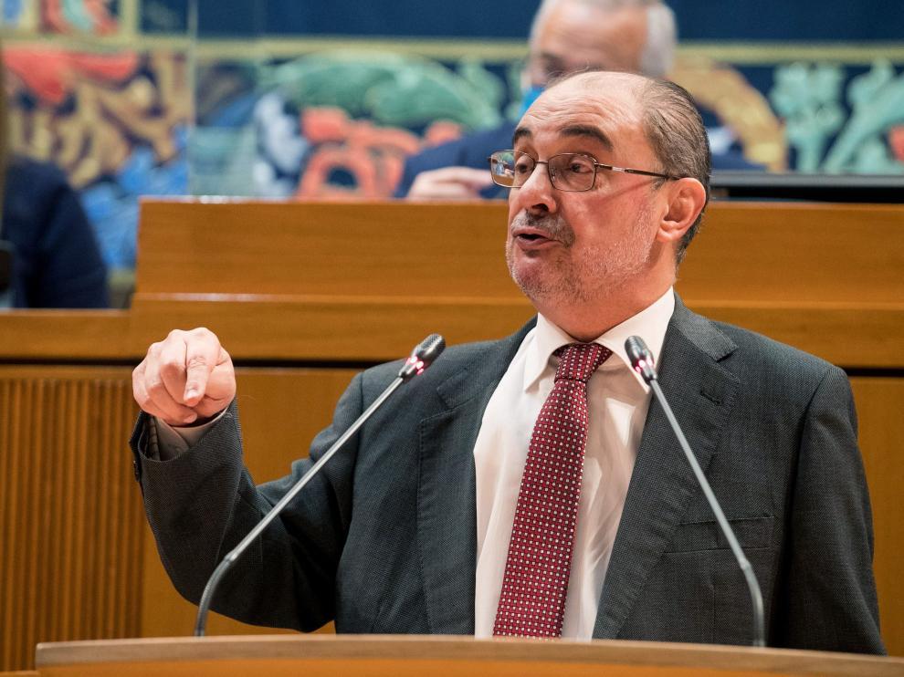 El presidente de Aragón, Javier Lambán, este jueves durante su comparecencia en Las Cortes