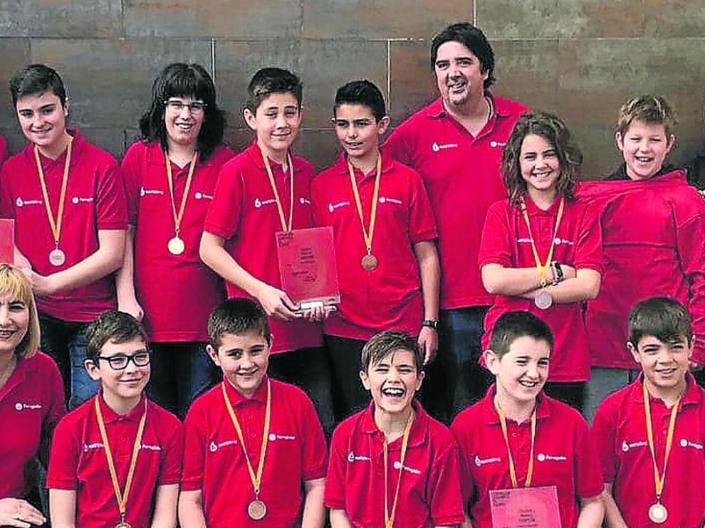 Los integrantes del Espacio Joven Monzón.