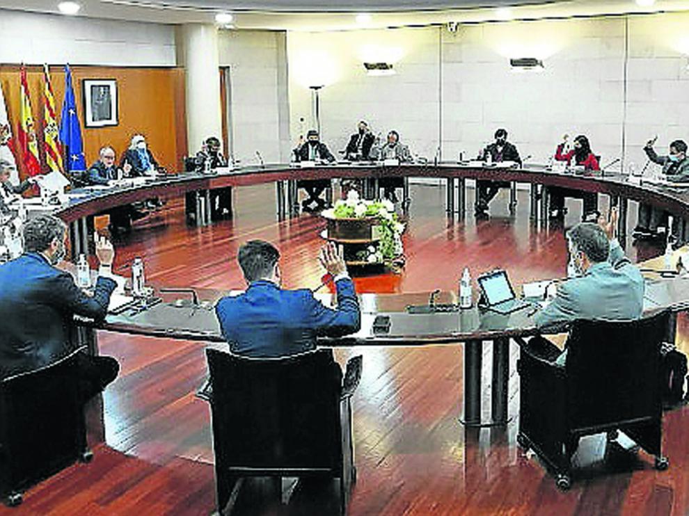 La unanimidad fue el tono predominante en el pleno de la Diputación.
