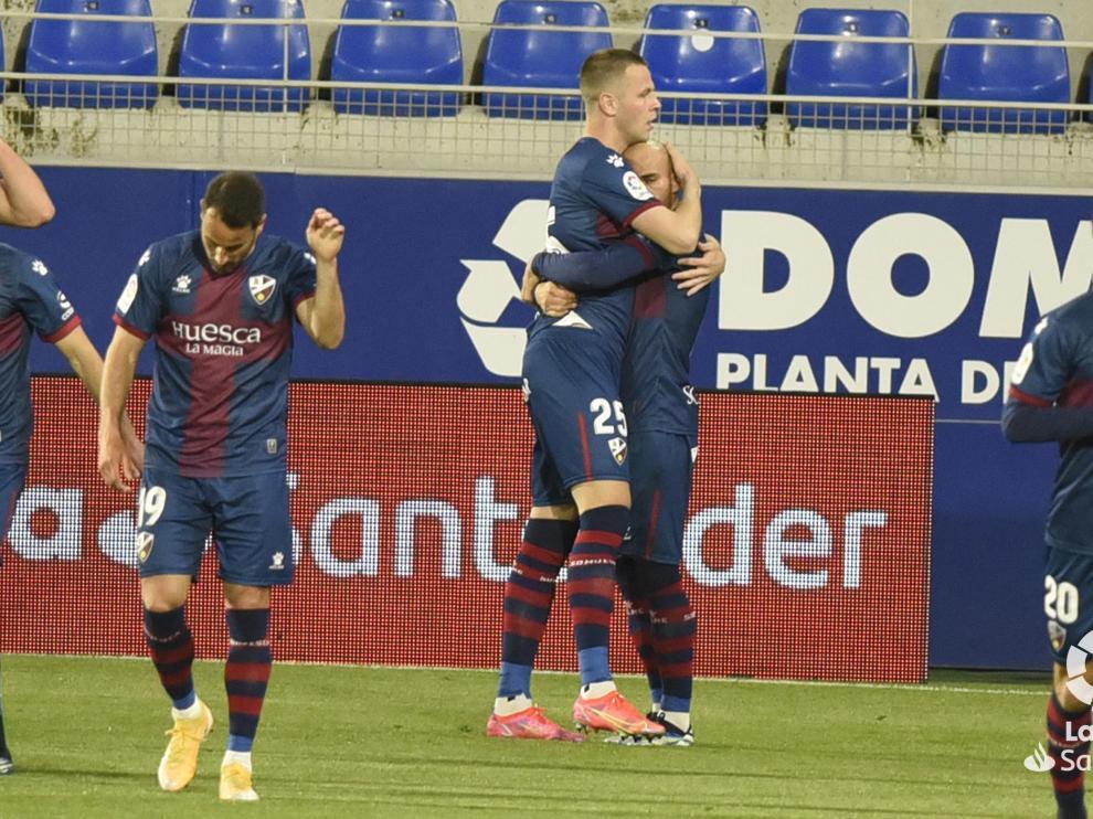 Sandro Ramírez celebra su gol.