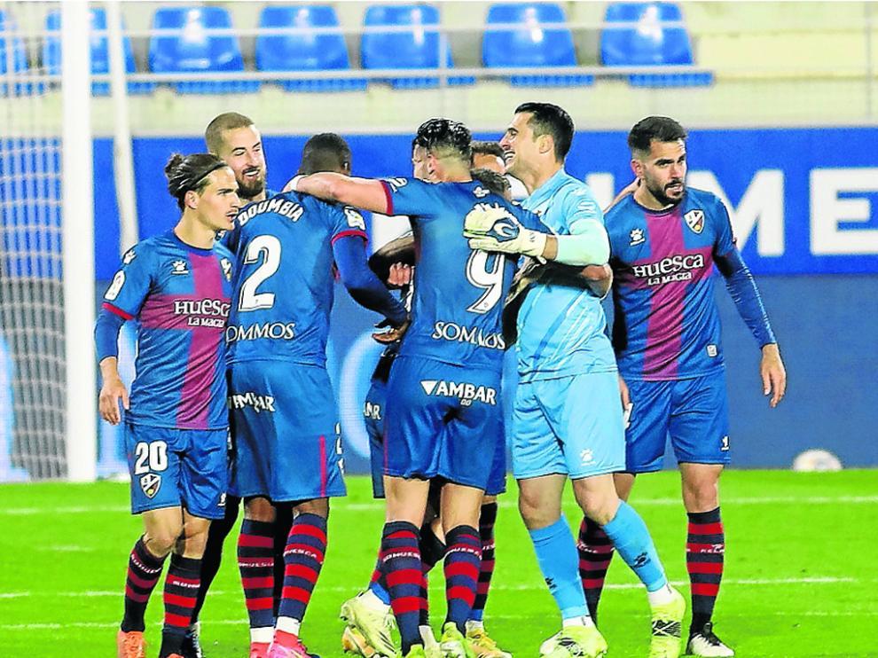 El Huesca ha formado un bloque duro de batir en las últimas jornadas.