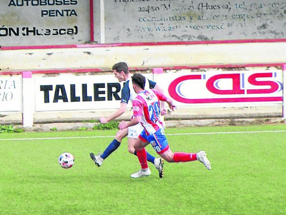 El Monzón fue capaz de sujetar al Villanueva y ganar.