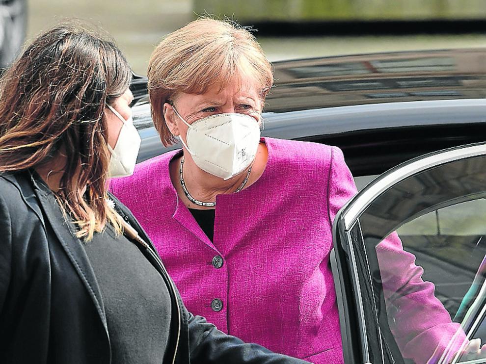 La canciller alemana Angela Merkel, a su llegada ayer a una reunión de su partido, el CDU, con el CSU de Baviera.