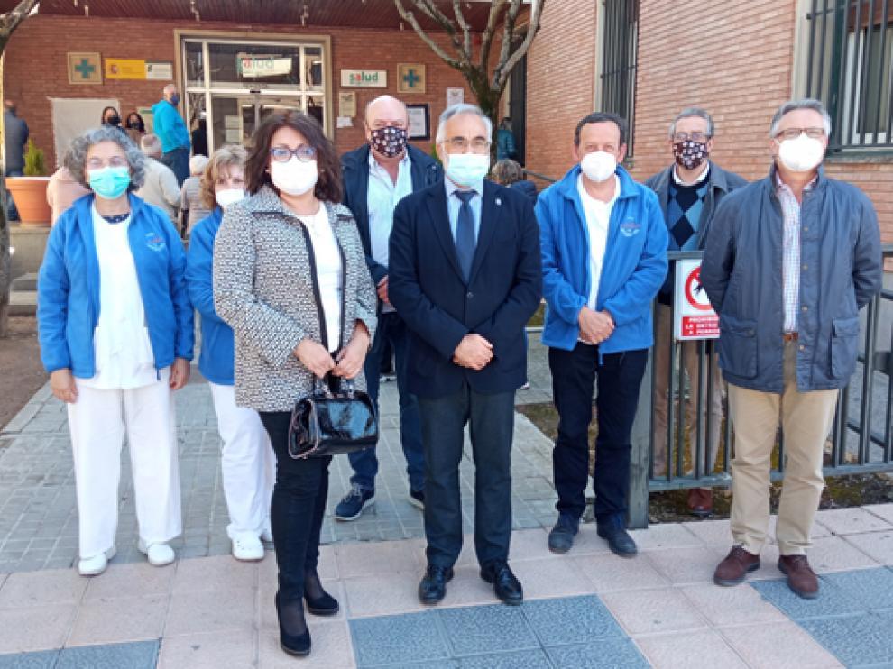 El lugarteniente del Justicia se reunió con profesionales del Centro de Salud y miembros de la plataforma.