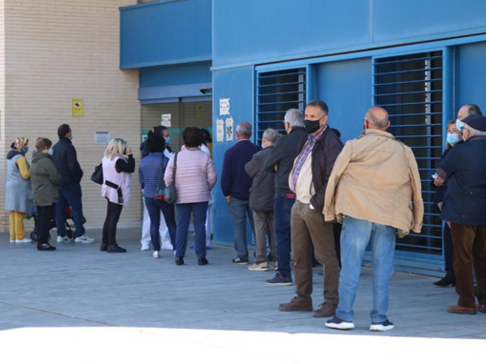 El exterior del centro de salud de Fraga, el martes por la mañana.