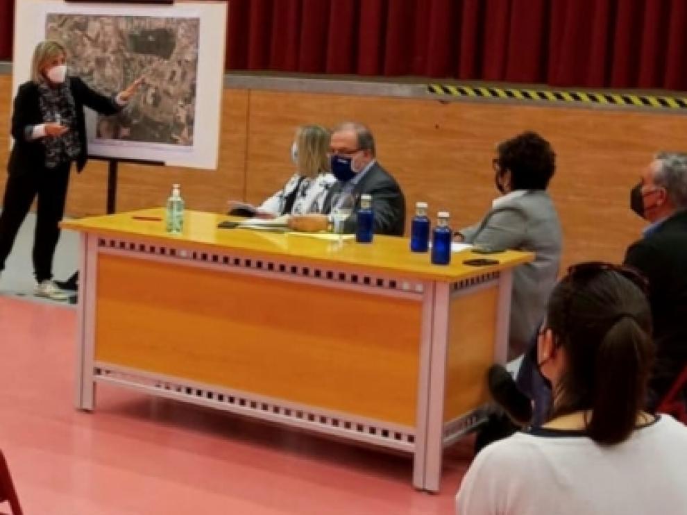 Bizén Fuster ha dado a conocer a representantes de Cinca Medio la programación de inversiones en la comarca en los próximos años
