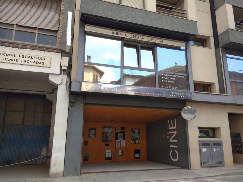 Cine Salamero de Graus, una de las instalaciones municipales que se han cerrado por la covid.