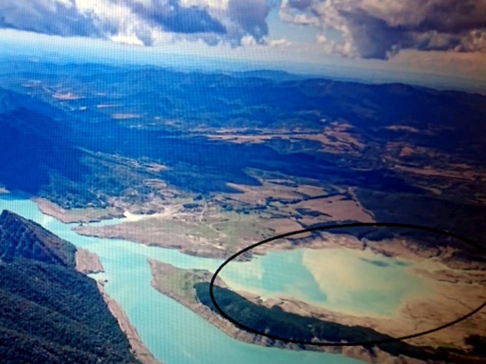 Zona del embalse de Mediano donde se solicita la instalación de placas solares flotantes.