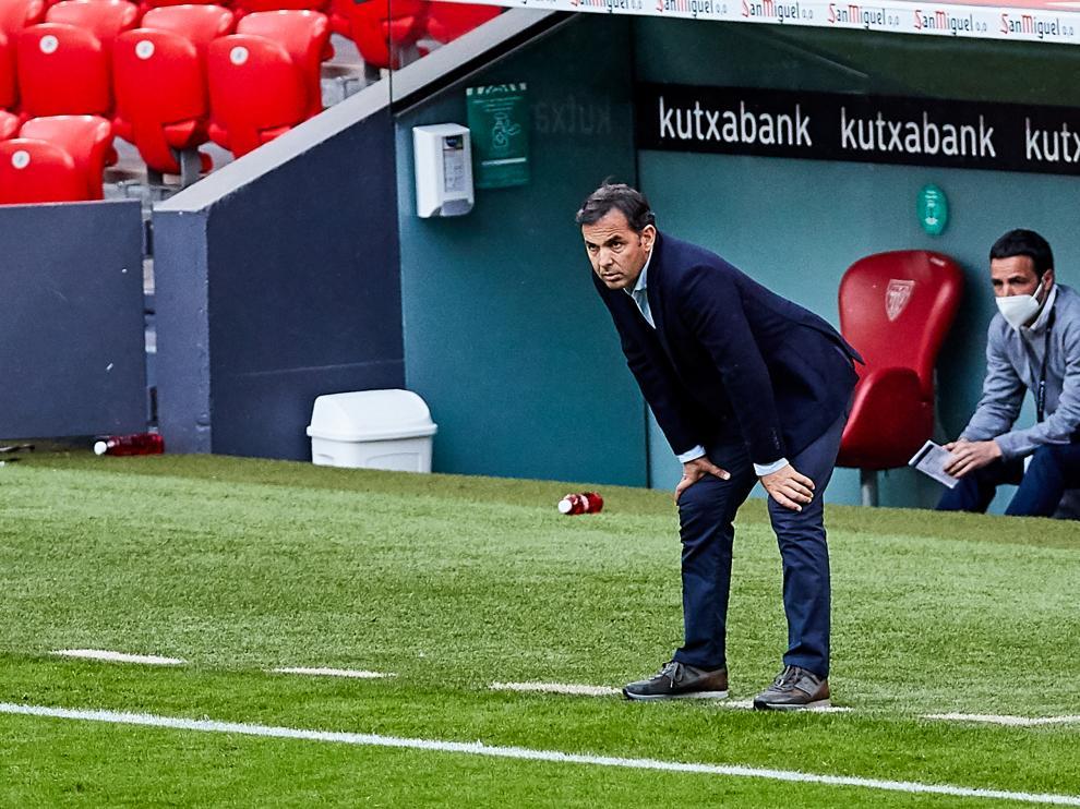 Imagen de Calleja en su debut como entrenador del Alavés en Bilbao.