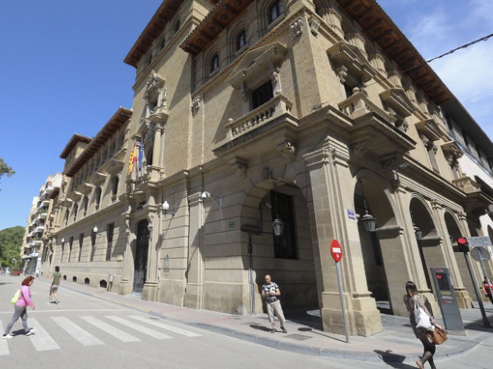 Edificio de Hacienda en Huesca.