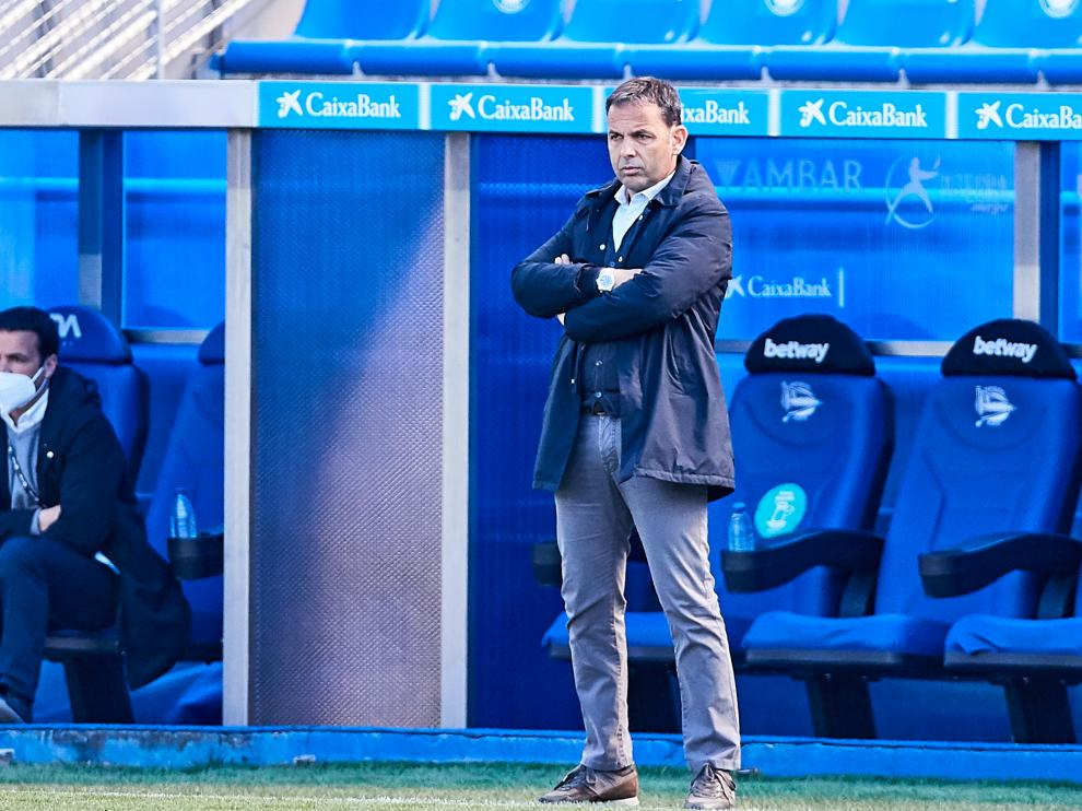 Javier Calleja, head coach of Deportivo Alaves, during the Spanish league, La Liga Santander, football match played between Deportivo Alaves and SD Huesca at Mendizorroza stadium on April 18, 2021 in Vitoria, Spain...AFP7 ..18/04/2021 ONLY FOR USE IN SPAIN[[[EP]]] Javier Calleja, head coach of Deportivo Alaves, during the Spanish league, La Liga Santander, football match played between Deportivo Alaves and SD Huesca at Mendizorroza stadium on April 18, 2021 in Vitoria, Spain.