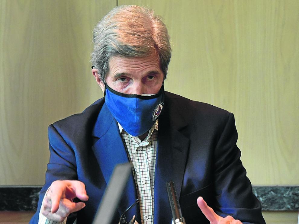 El enviado especial para el cambio climático de EE. UU., John Kerry, se reunió con su homólogo chino, Xie Zhenhua.