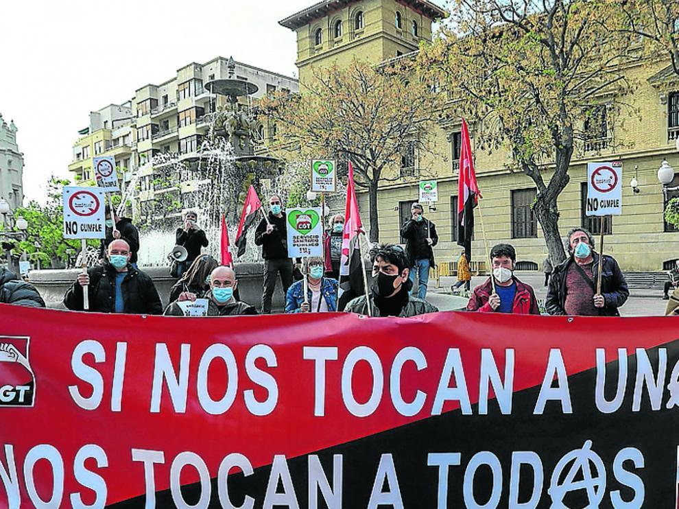 Concentración de CGT en la plaza de Navarra