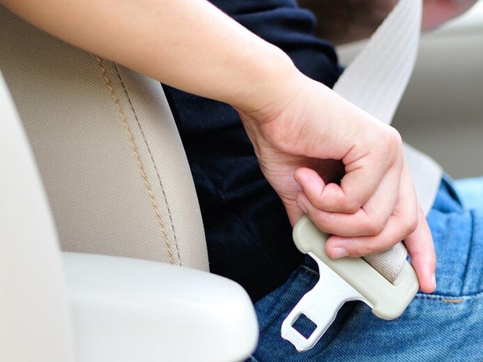 La DGT lleva a cabo una campaña para concienciar del uso del cinturón al volante