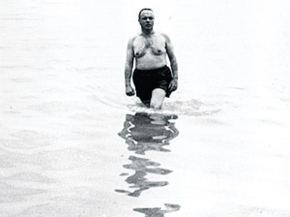 La foto de Manuel Fraga en bañador en Palomares fue un arma propagandística del franquismo.